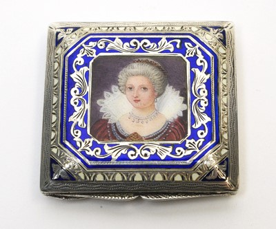 Lot 206 - Continental enamelled silver compact