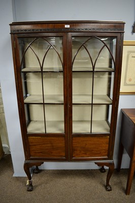 Lot 129 - Early 20th C mahogany display cabinet