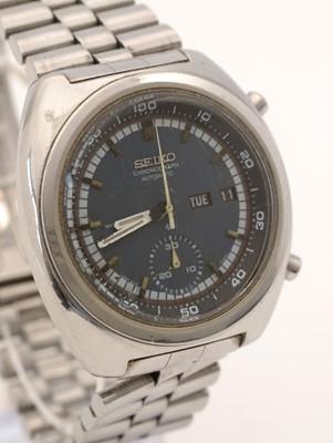 Lot 301 - Seiko chronograph wristwatch.