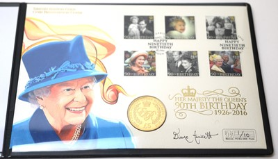 Lot 17 - Her Majesty The Queen's 90th Birthday gold coin presentation cover