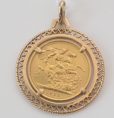 Lot 288 - Elizabeth II gold sovereign in 9ct. yellow gold pendant mount.