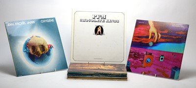 Lot 882 - 14 Mixed LPs