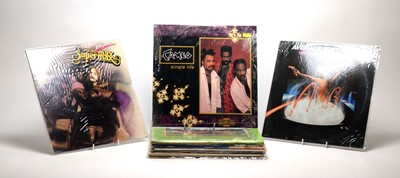 Lot 932 - 15 motown, dance, and disco LPs