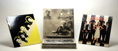 Lot 934 - 17 pop LPs