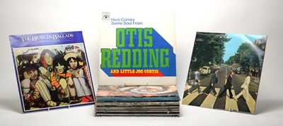 Lot 946 - 24 mixed LPs