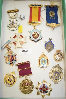 Lot 252 - Selection of Masonic interest medallions.