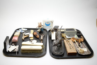 Lot 471 - A selection of dressing table accessories, jewellery and other items.