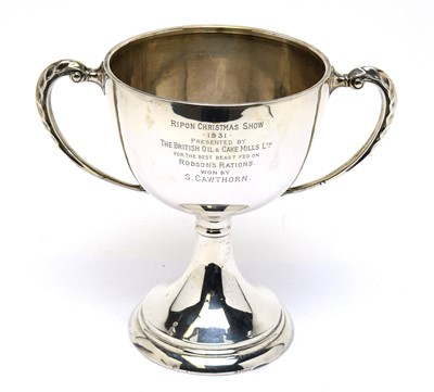 Lot 187 - A George V silver trophy cup