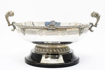Lot 194 - A George V silver pedestal bowl
