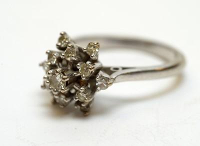 Lot 214 - Diamond cluster ring