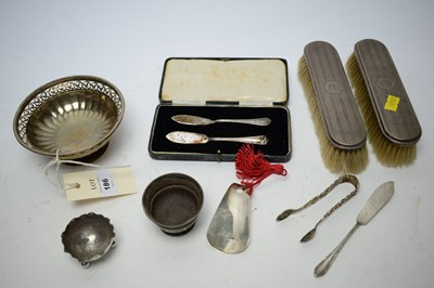 Lot 186 - A selection of silver items