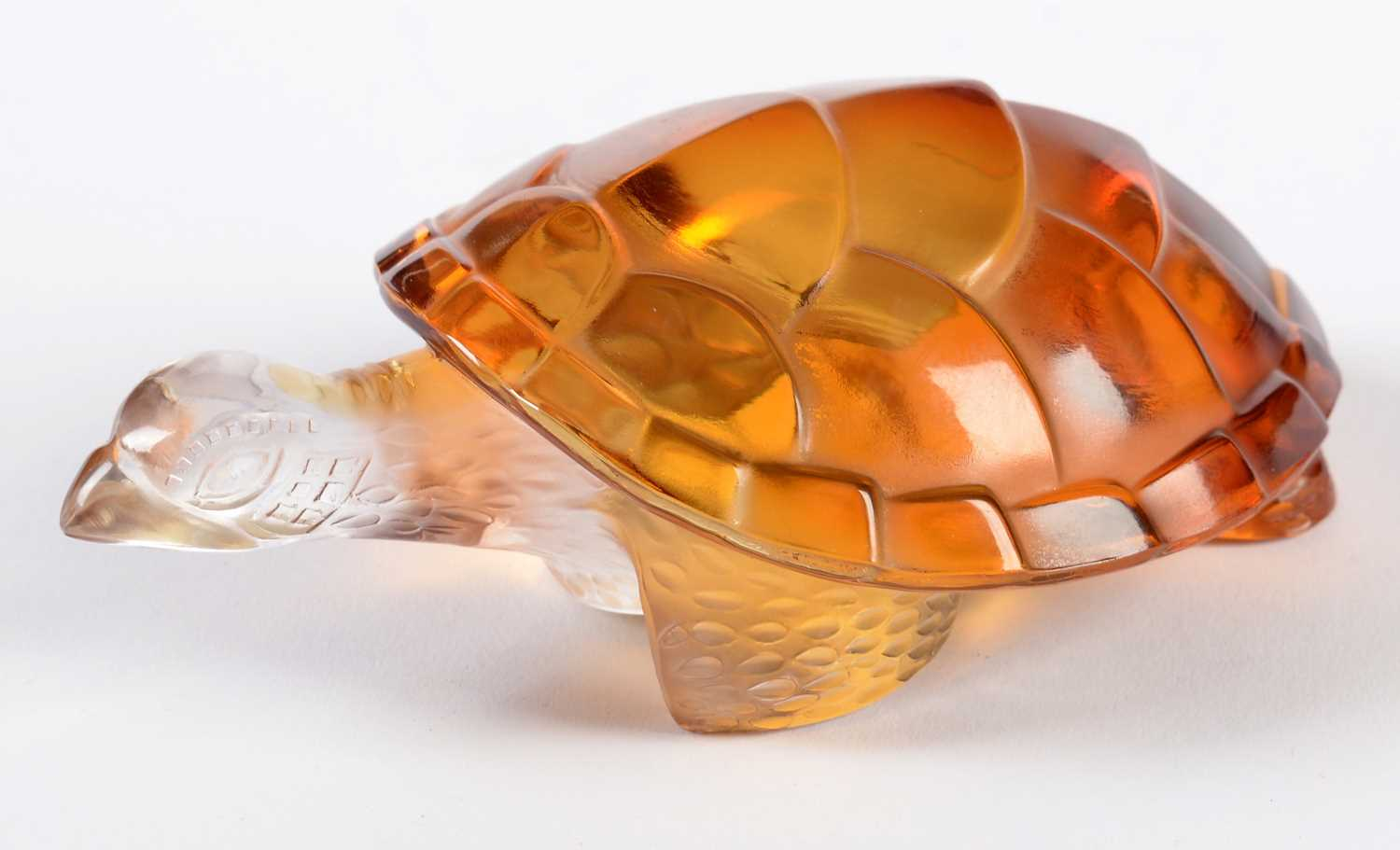 Lot 727 - Lalique Turtle paperweight