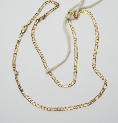 Lot 207 - A 9ct yellow gold curb link necklace