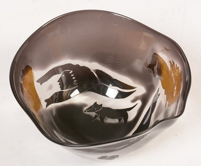 Lot 730 - Glass bowl by Steven Newell