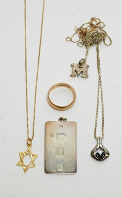 Lot 224 - Gold and silver jewellery
