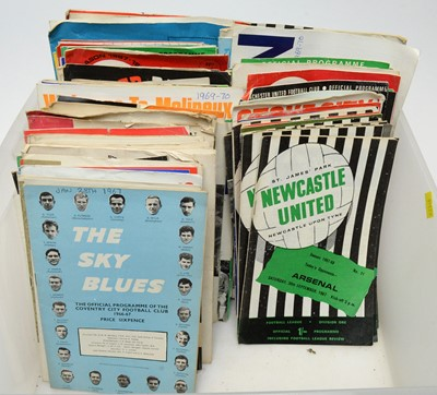 Lot 1251 - A large collection of 1960s football programmes