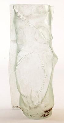 Lot 13 - A contemporary glass sculpture