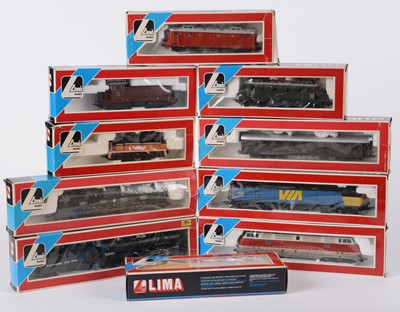 Lot 35 - Ten LIMA HO-gauge locomotives and carriages.