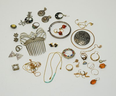 Lot 111 - A selection of gold jewellery parts and costume jewellery.