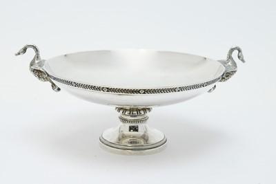 Lot 135 - A George V silver tazza
