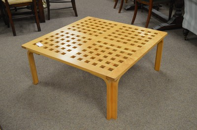 Lot 40A - Contemporary beech coffee table