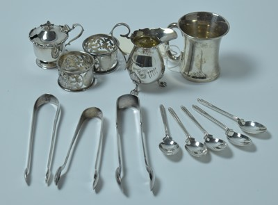 Lot 139 - A selection of antique and vintage silver