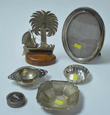 Lot 144 - A group of antique and vintage silver items