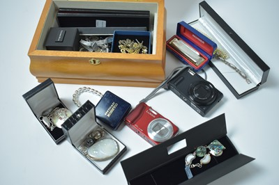 Lot 192 - A large quantity of contemporary white metal mounted and other costume jewellery and wristwatches