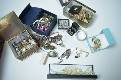 Lot 191 - A collection of gold, silver and costume jewellery.