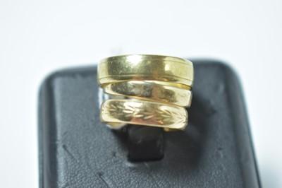 Lot 208 - Three 9ct yellow gold wedding bands