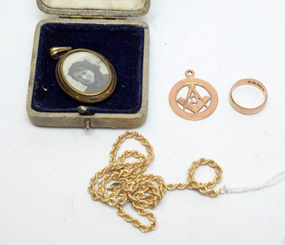 Lot 106 - Selection of gold jewellery