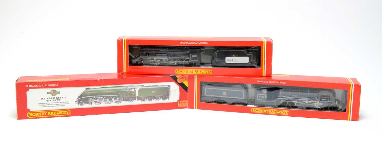 Lot 604 - Three boxed Hornby 00-gauge locomotives.