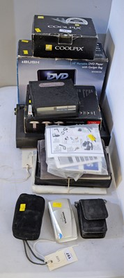 Lot 197 - Selection of cameras and other electrical items