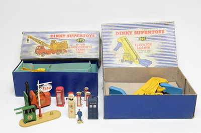 Lot 832 - Dinky Supertoys 20-ton Lorry mounted crane 'Coles' and other items