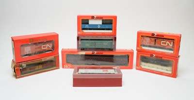 Lot 629 - Eight boxed Rivarossi HO-gauge rolling stock, American Outlines.