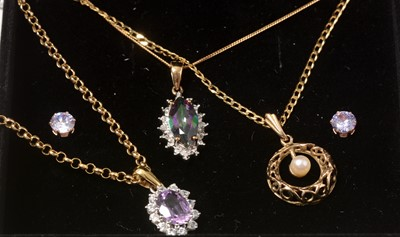 Lot 251 - Gold and yellow-metal necklaces.