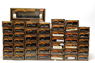 Lot 658 - A quantity of Mainline Railways rolling stock.