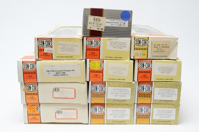 Lot 659 - Boxed Con-Cor HO-gauge trains and rolling stock.