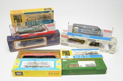 Lot 668 - Nine Piko HO-gauge boxed trains.