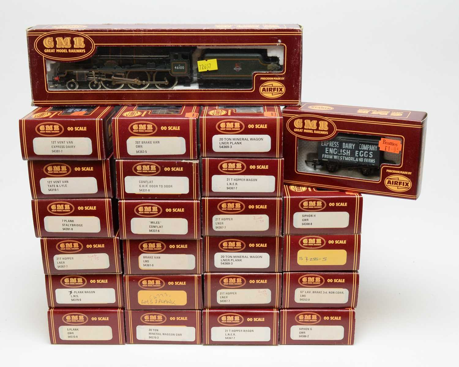 Lot 673 - Airfix GMR/Great Model Railways trains, rolling stock and carriages.