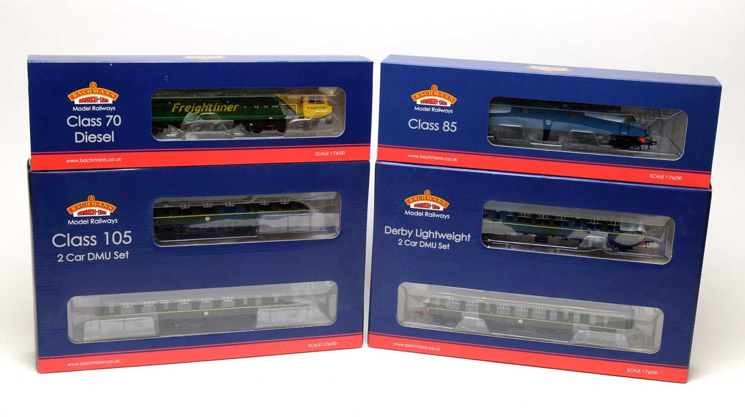 Lot 675 - Bachmann 00-gauge Branchline Model Railways boxed trains and carriages.