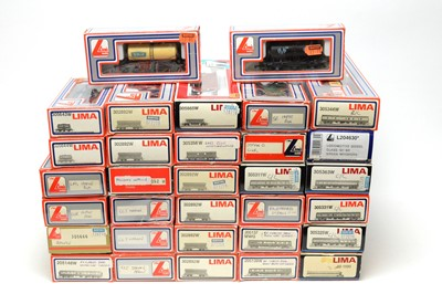 Lot 689 - LIMA Models rolling stock and carriages.