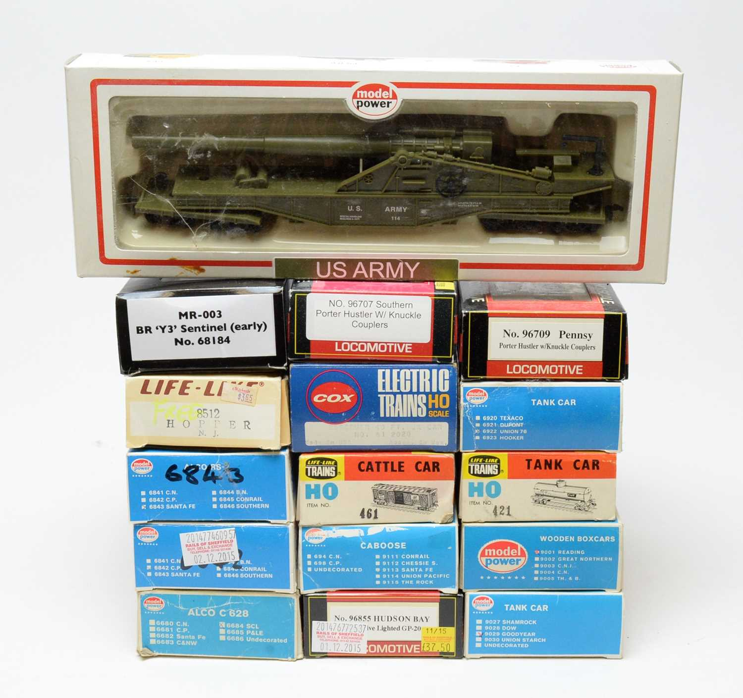 Lot 691 - HO-gauge rolling stock, various makers.