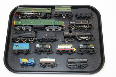 Lot 776 - Five 00-gauge unboxed locomotives and rolling stock.