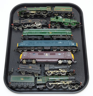 Lot 777 - Eight 00-gauge unboxed trains and tenders.