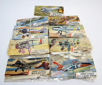 Lot 795 - Nine early Airfix construction kits.