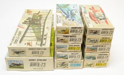 Lot 800 - Twelve boxed Airfix model construction kits.