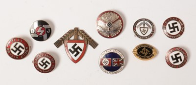 Lot 1055 - Collection of WWII and later German badges