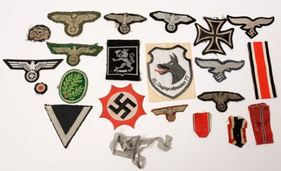 Lot 1033 - Collection of WWII and later German cloth badges