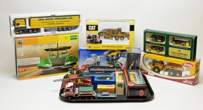 Lot 856 - Boxed scale model vehicles.